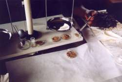 Weighing of gold